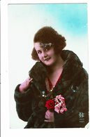 CPA - Carte Postale Pays Bas - Jeune Femme Avec Un Manteau De Fourrure 1927 VM4015 - Vrouwen
