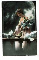 CPA - Carte Postale Pays Bas -Jeune Femme Avec Trois Pigeons-1907- VM4018 - Wensen En Feesten