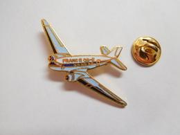 Beau Pin's En EGF  , Aviation , Avion France DC 3 , Association France DC3 - Airplanes