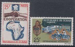 Tchad N° 101 + 113 XX Coopération Avec La France Et Gendarmerie Nationale , Les 2 Valeurs Sans Charnière, TB - Tchad (1960-...)