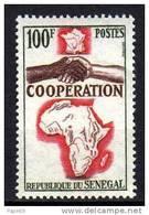 Sénégal N° 241 XX  Coopération Avec La France  Sans Charnière, TB - Sénégal (1960-...)