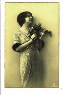 CPA - Carte Postale Pays Bas- Dame Avec Un Bouquet -vue De Profil 1920- VM4029 - Vrouwen