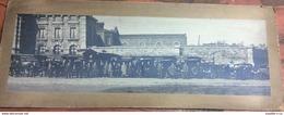 Rare Photographie Panoramique Véhicules Etablissements Antoine Woitrin Devant La Prison De Namur Début 1900 - Profesiones