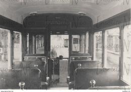 Photographie De L'intérieur D'un Ancien Tram Années 50 - Transporte