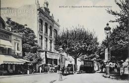 CPA. - FR. [17] Charente Maritime > Royan > Boulevard Botton Et Les Nouvelles Galeries Animées - TBE - Royan