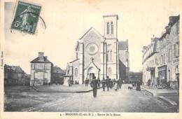 22 - BROONS : Sortie De La Messe - CPA  - - Autres Communes