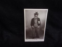 Célébrités .Spectacle .Mr Harry Lauder.Artiste écossais Né En 1870, Mort En 1950.Carte Photo.Rotary Photographic Séries. - Spectacle