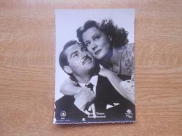 """Carte Postale  10,5 X 14,5 Cm  Filmster Exclusiviteit L.A.B  Irène Dunne En Alan Marshal In """"Blanches Falaises De Douvre - Artisti"""