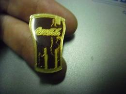 Grand Pin's COCA COLA - Verre @ 30 Mm X 20 Mm - Coca-Cola