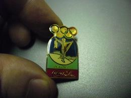 Grand Pin's COCA COLA - CHAMONIX J.O De 1924 France Jeux Olympiques D'Hiver @ 30 Mm X 17 Mm - Coca-Cola