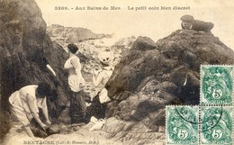 Bretagne - Aux Bains De Mer - Un Petit Coin Discret - Voyeurisme? - Femmes Se Déshabillant - Bretagne