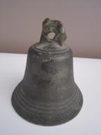 ANCIENNE ANTIQUE CLOCHE EN BRONZE N°6 - Cloches