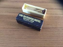 """Boîte D'allumettes Réservoir Plastique Format Carré INDE """"THE TAJ MAHAL HOTEL NEW DELHI"""" - Boites D'allumettes"""