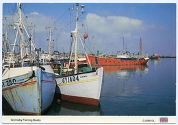 ENGLAND : GRIMSBY FISHING BOATS (10 X 15cms Approx.) - Fishing Boats