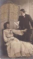 """CARTE FANTAISIE. CPA. FINEMENT COLORISÉE.  COUPLE. SÉRIE COMPLÈTE DE 6 CARTES .  """" DÉCLARATION D'AMOUR """".. ANNEE 1905 - Couples"""