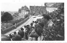 16 ANGOULEME - PHOTO ORIGINALE - Course Automobile Le Circuit Des Remparts D'Angoulème 1948 Voitures De Course Public - Other Municipalities