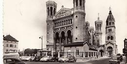 69- Lyon Notre Dame De Fourvieres Cpsm (voitures203-4 Ch Dauphine-403-renault 8 -simca ) - Autres