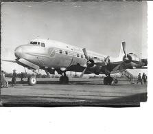 Théme-Aviation-Une Vue Au SOL D'un Quadrimoteurs  *D.C.6.B Des Transports Aériens Intercontinentaux- - 1946-....: Ere Moderne