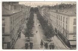 44 - NANTES - Le Boulevard Delorme, Au Premier Plan La Statue Du Docteur Guépin - AN 442 - 1915 - Nantes