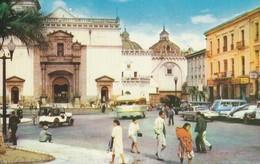 Quito  -  Ecuador  Iglesia De Santo Domingo En El Centro De La Capital. - Ecuador