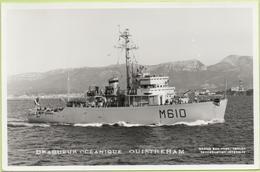 DRAGUEUR OCEANIQUE OUISTREHAM   / Photo Marius Bar, Toulon / Marine - Bateaux - Guerre - Militaire - Warships