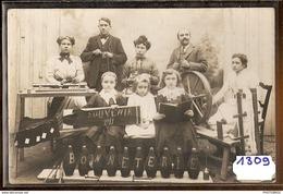 1309 CARTE PHOTO SOUVENIR 1911 BONNETERIE A IDENTIFIER TTB - Cartoline