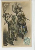 FEMMES - FRAU - LADY - ARTISTES - Jolie Carte Fantaisie Avec Paillettes Portrait Artiste MEALY - Femmes