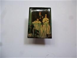 PINS Gustave Caillebotte Le Balcon / éditions Atlas  Art Peinture Tableau / 33NAT - Celebrities