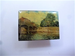 PINS Alfred Sisley Le Pont De Hampton Court / éditions Atlas  Art Peinture Tableau / 33NAT - Personnes Célèbres