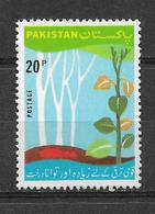 PAKISTAN 1975 STAMP NATIONAL TREE PLANTATION MNH - Pakistan