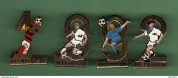 FOOT ***  OM -  Olympique De Marseille Champion De France 1992 *** Lot De 4 Pin's *** 1104 - Football