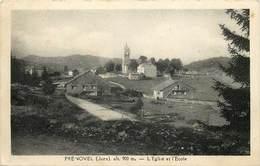PRENOVEL-l'église Et L'école - Frankrijk