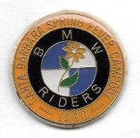 Pin' S  Automobile  B M W  RIDERS  Voir  Description - BMW