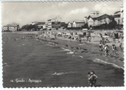 Cartolina Grado (GO) 1950 Spiaggia Animata - Other Cities