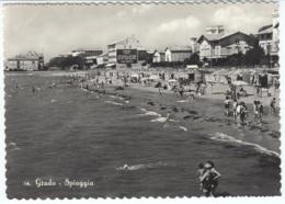 Cartolina Grado (GO) 1950 Spiaggia Animata - Italy
