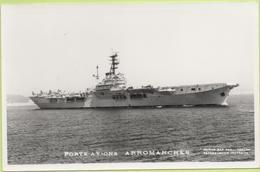 PORTE-AVIONS   ARROMANCHES   / Photo Marius Bar, Toulon / Marine - Bateaux - Guerre - Militaire - Guerra