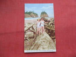 Vacation Fun Pacific Shores Olympic National Park> Ref 3446 - Pin-Ups