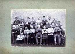 PHOTO D OUVRIERS PEUT ETRE USINE JAPY   PHOTOGRAPHE DE BEAUCOURT HAUT DOUBS BADEVEL - Lieux
