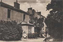 LE CREUSOT Rue Maréchal Foch, La Clinique Et Le Parc - Le Creusot