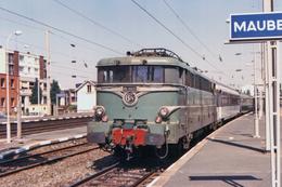 Maubeuge (59 - France)  Septembre 1990 - La BB 16023 En Gare De Maubeuge - Maubeuge