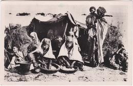 Pf. SCENES ET TYPES. Préparation Du Couscous. 1324 - Algérie