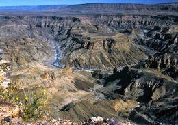 1 AK Namibia * Blick Auf Den Fish River Canyon - Er Ist Der Größte Canyon Afrikas Und Der Zweitgrößte Canyon Der Erde * - Namibia