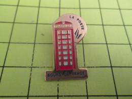 515C Pin's Pins / Beau Et Rare / THEME : POSTES / CABINE TELEPHONIQUE ROUGE BOURG DE PEAGE - Mail Services