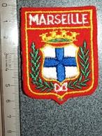 ECUSSON  TOURISTIQUE TISSUS MARSEILLE - Ecussons Tissu