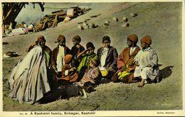 India, SRINAGAR KASHMIR, Kashmiri Family (1920s) Dutta Postcard - India