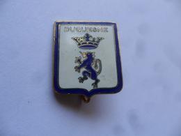 """(Militaria, Marine Nationale - Insigne Arthus Bertrand, Type Broche, Sans Réf.. ) - Croiseur """" DUQUESNE """" ....voir Scans - Marine"""