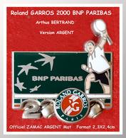 """SUPER PIN'S Roland GARROS Année 2000 : SPONSOR Officiel """"BNP PARIBAS"""", La Version ZAMAC ARGENT Arthus BERTRAND 2,3X2,4cm - Tennis"""
