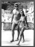 Homme Et Femme  En Maillot De Bain Torse Nu -  Girl -  Men - Photo - Persone Anonimi