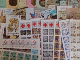 France Belle Collection De 86 Carnets Commémoratifs Différents Neufs ** MNH 1963/2007. TB. A Saisir! - Gedenkmarken