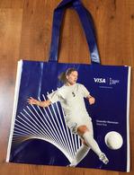 FRANCE 2019 WOMENS WORLD CUP FOOTBALL (Grand Sac) Format 42x38cm. (Eugenie Le Sommer & Dzsenifer Marozsan) Etat Neuf - Apparel, Souvenirs & Other